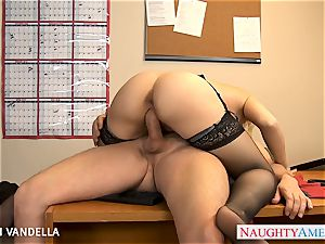 wonderful Sarah Vandella gives oral romp