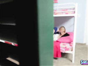 Bunkbed hook-up with Lily Rader and Jennifer Jacobs