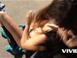 Vivid.com - Lacie James and Raquel Roper morning ejaculation
