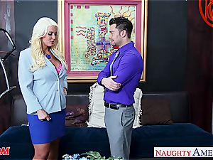 off the hook Alura Jenson takes a thick cumbot deep inside her