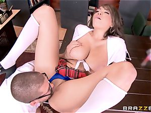 Nerdy guy drills college hotty Cassidy Banks
