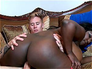 meaty culo ebony bitch gargling milk white prick