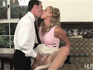 Phoenix Marie gives her dribbling raw wifey cooter