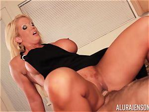 Alura Jenson gets penetrated by meaty muscle boy Zeb Atlas
