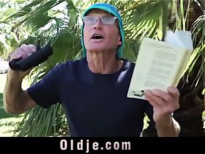 Julie tears up a 75 Years old guy in Park