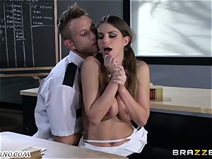 Policeman penalizes horny college girl on the table