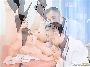 Marley Brinx gets her puss deeply explored at the doctors