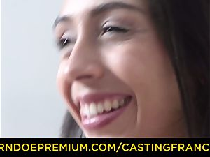casting FRANCAIS - first-timer beauty penetrated and jizm covered