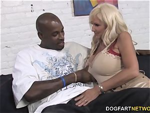 Tia Gunn And Angel Cakes pummels ebony pecker