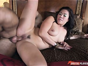 London Keyes romped in her sugary-sweet slit pudding by the anchor man