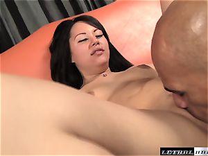 Tina Lee romped by a enormous ebony fuckpole