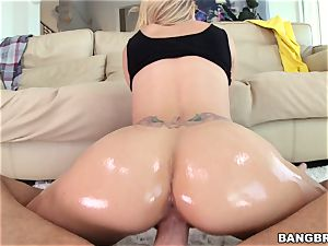 Jessa Rhodes is lubricated up and well-prepped to be pummeled