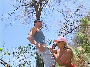 buxomy Luna starlet banged outdoors on a tree
