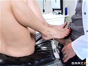 Diamond Foxxx getting her toes creamed with jism
