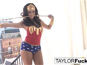 Taylor Is Wonder nymph