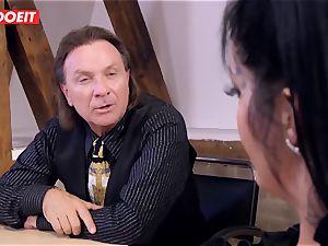 German secretary twerks Her culo On Her boss Desk