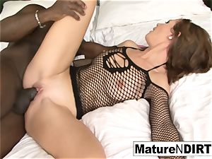 dark haired mummy strokes before taking a bbc
