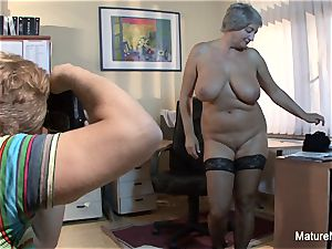 Mature bbw takes a stream on her ample innate funbags