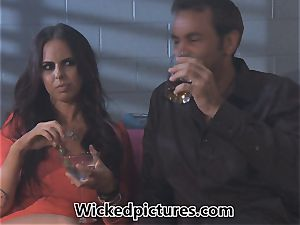 Brandy Aniston picks up a steaming stud at a bar for a boink