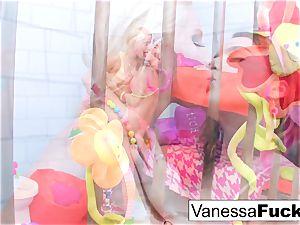 big-boobed Natasha lovely penetrates Vanessa cell